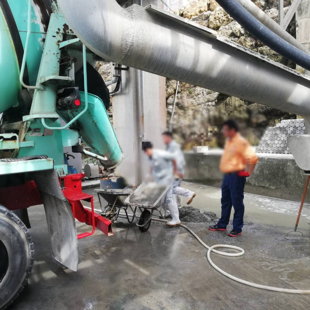 暑中期におけるコンクリート温度対策実験